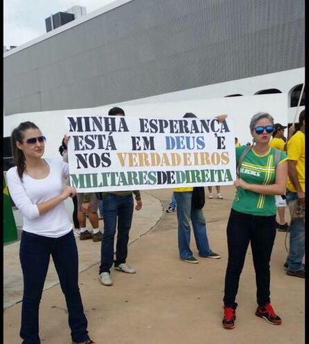 À testa da Mega Manifestação FHC, Aécio e Serra lideram o povo