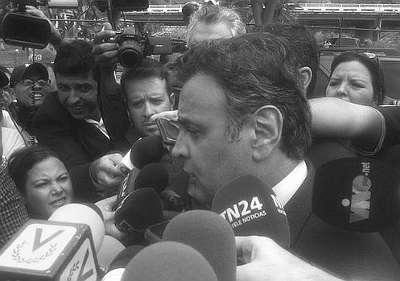 Missão democrática liderada por Aécio Neves foi engarrafada na Venezuela