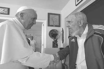 Tenebroso encontro na Ilha Comunista confirma: O Papa é agente de Fidel Castro