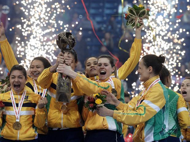 Dilma comprou o título do mundial feminino de handebol por 300 milhões de dólares