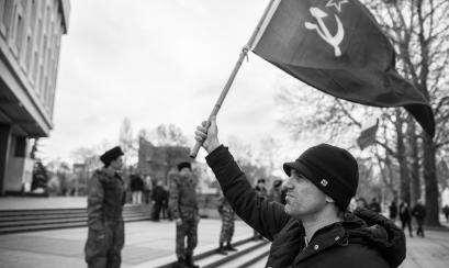 Mundo indignado com o plebiscito antidemocrático na Crimeia