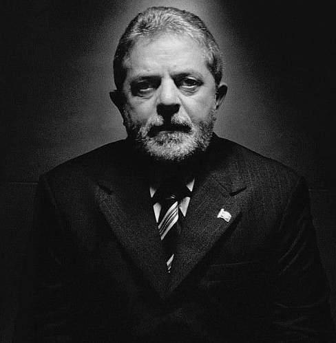 Conhecida de Lula usa e abusa de avião oficial
