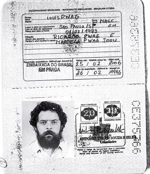 Lula é agente da Coreia do Norte e também falsificou passaporte brasileiro